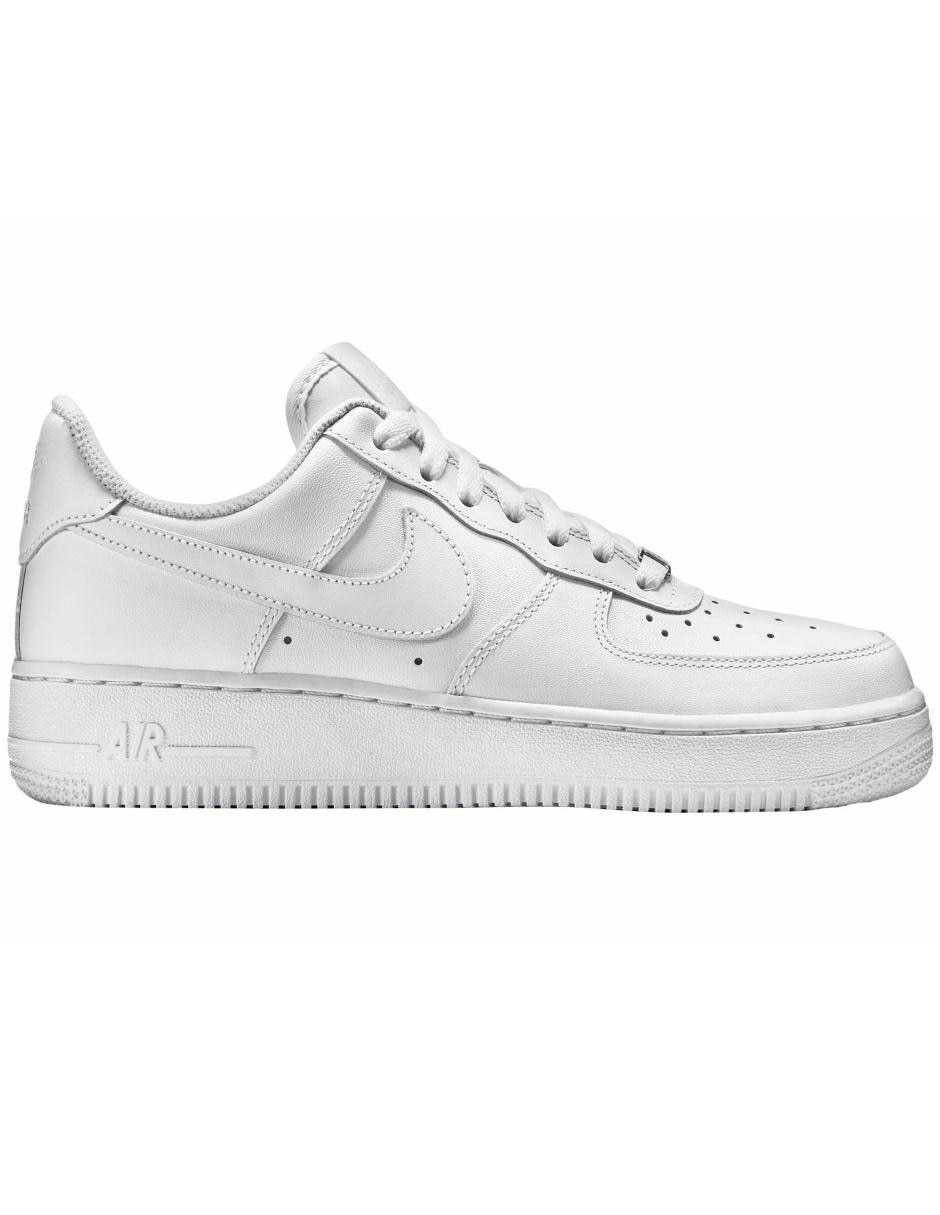 new concept ebc57 e2ab2 Tenis Nike Air Force 1  07 para dama